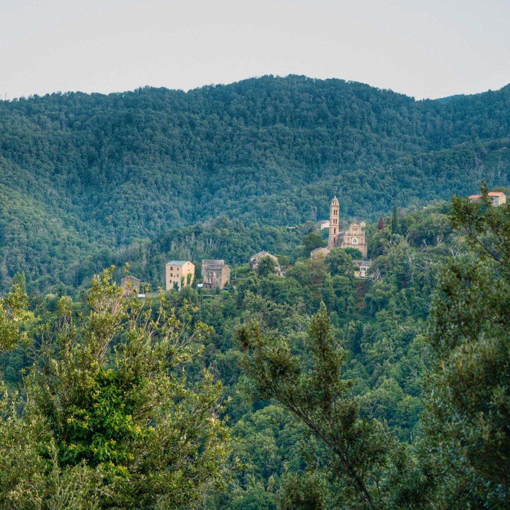 Carcheto-Brustico joli village de Castagniccia