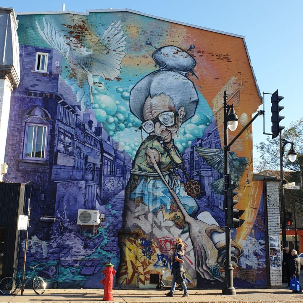 Le café des voyageurs, thème street art. Montréal, Canada