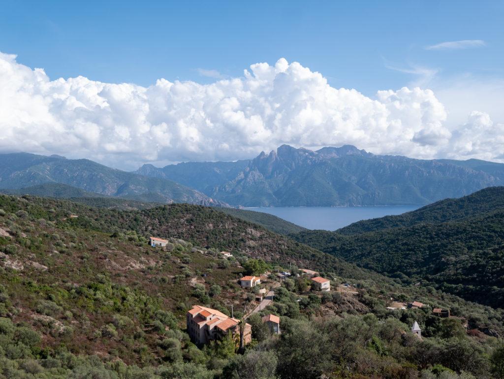 La route de Porto Piana en Corse, bocca a croce